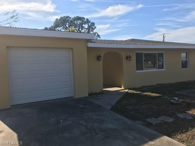 18426 Geranium Rd, Fort Myers, FL 33967