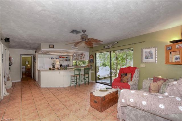 6677 Broken Arrow Rd, Fort Myers, FL 33912