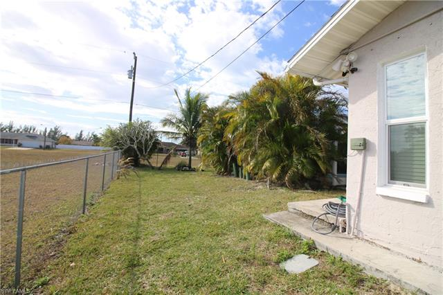 702 Sw 25th St, Cape Coral, FL 33914