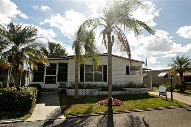 9009 Flamingo Cir, North Fort Myers, FL 33903