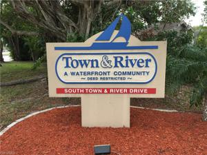 1066 S Town And River Dr, Fort Myers, FL 33919