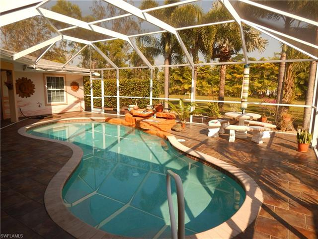 15895 Briarcliff Ln, Fort Myers, FL 33912