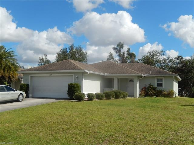 2215 Lincoln Park Ave, Alva, FL 33920
