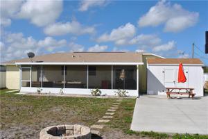 1217 Ne 1st Pl, Cape Coral, FL 33909