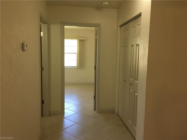 21560 Center St S, Alva, FL 33920