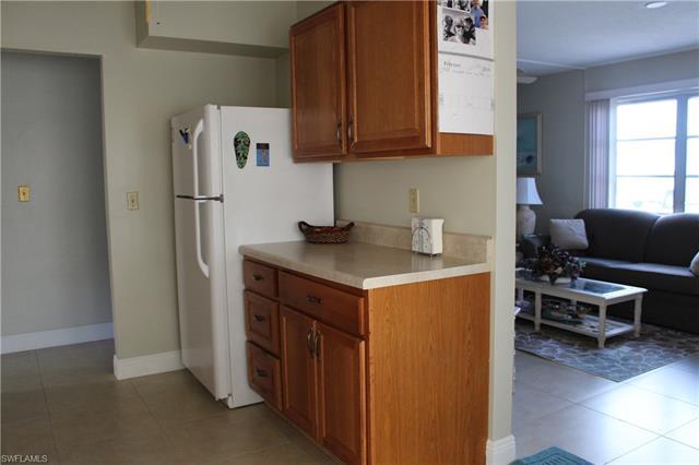 12 Hamlin Ct, Lehigh Acres, FL 33936