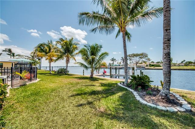 2214 Se 36th St, Cape Coral, FL 33904