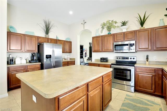 2665 Bellingham Ct, Cape Coral, FL 33991
