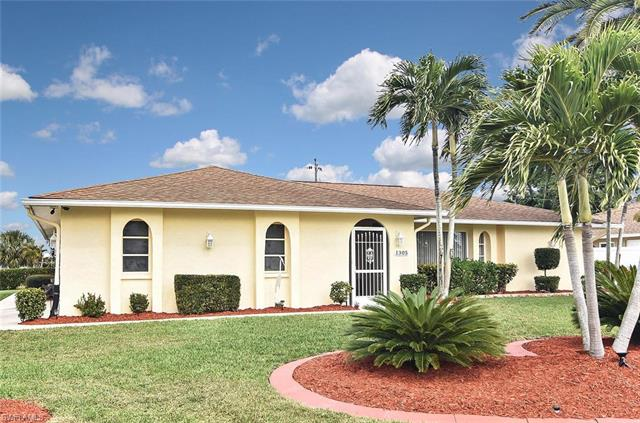 1305 Shelby Pky, Cape Coral, FL 33904