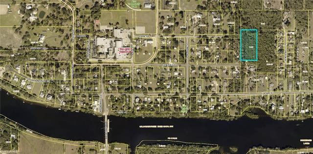 Park St, Alva, FL 33920