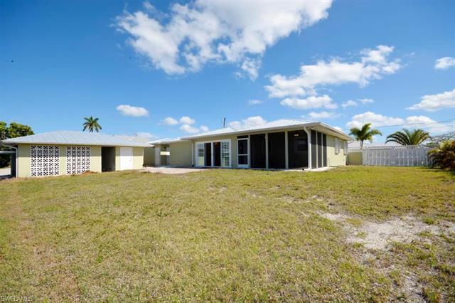 16065 Buccaneer St, Bokeelia, FL 33922