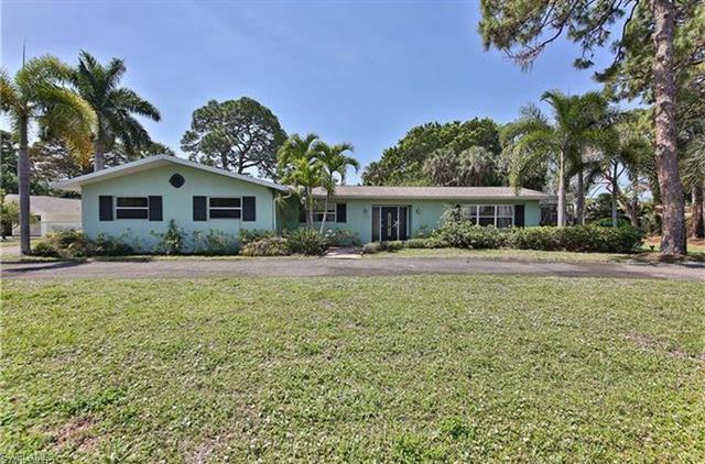 1316 Longwood Dr, Fort Myers, FL 33919
