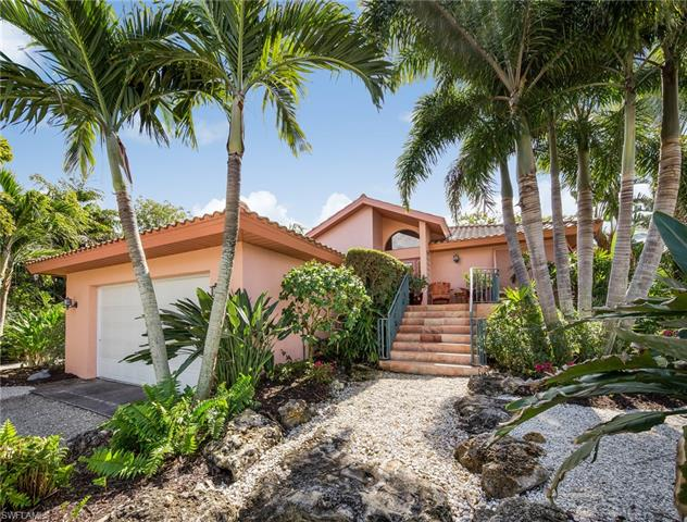 735 Sand Dollar Dr, Sanibel, FL 33957