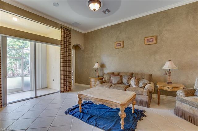 14557 Sterling Oaks Dr, Naples, FL 34110
