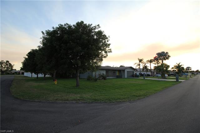 1228 Se 25th Ln, Cape Coral, FL 33904