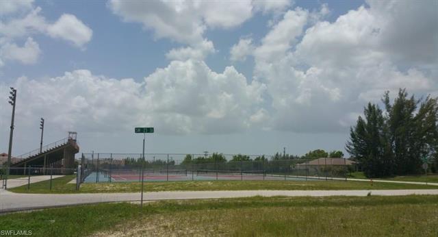 2224 Sw 2nd Ct, Cape Coral, FL 33991