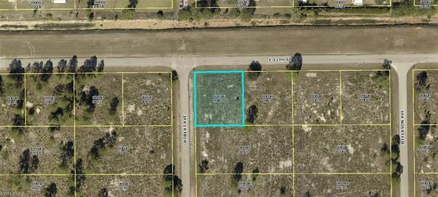 2500 E 12th St, Lehigh Acres, FL 33936