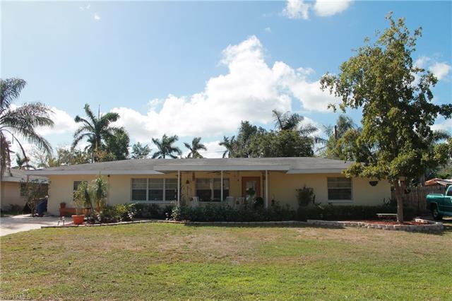 1426 Davis Dr, Fort Myers, FL 33919