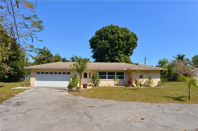111 Fairview Ave, Fort Myers, FL 33905