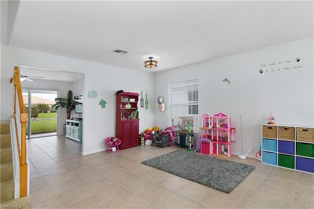 2645 Bellingham Ct, Cape Coral, FL 33991