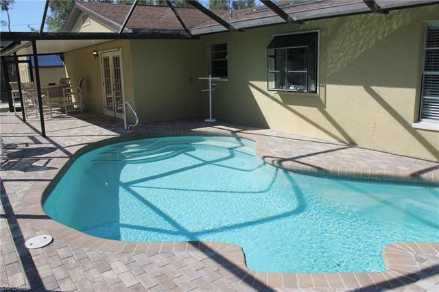 6810 Briarcliff Rd, Fort Myers, FL 33912