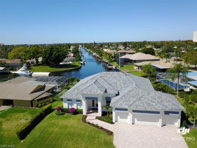 6548 E Town And River Rd, Fort Myers, FL 33919