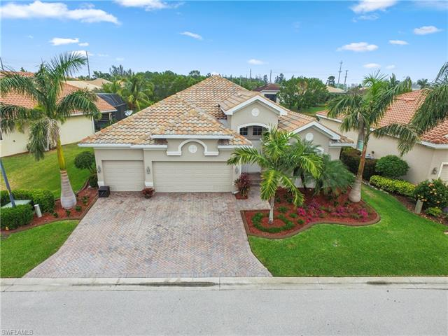 16053 Thorn Wood Dr, Fort Myers, FL 33908