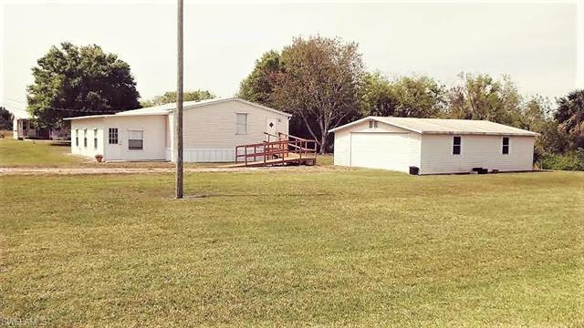 1205 Alligator Rd, Moore Haven, FL 33471