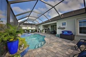 13536 Palmetto Grove Dr, Fort Myers, FL 33905
