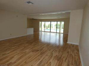 4016 Country Club Blvd, Cape Coral, FL 33904