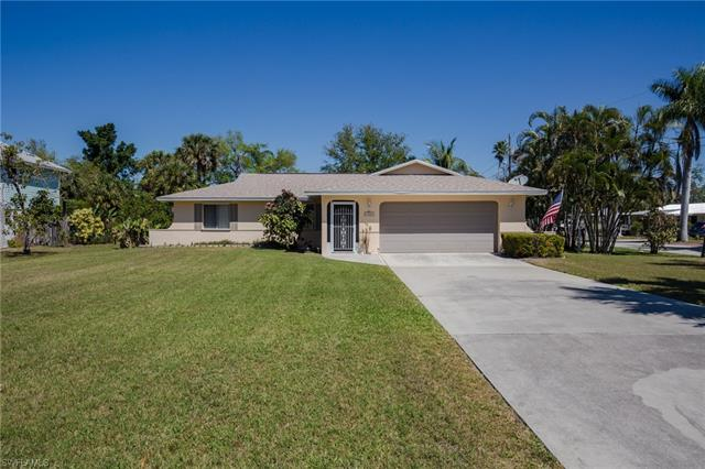 4060 Tarpon Ave, Bonita Springs, FL 34134