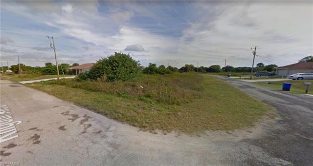 533 Kilgour Ave, Lehigh Acres, FL 33974