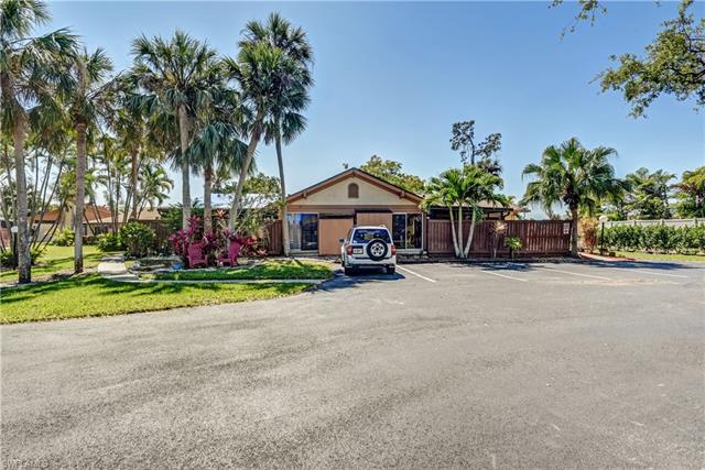 17340 Timber Oak Ln, Fort Myers, FL 33908
