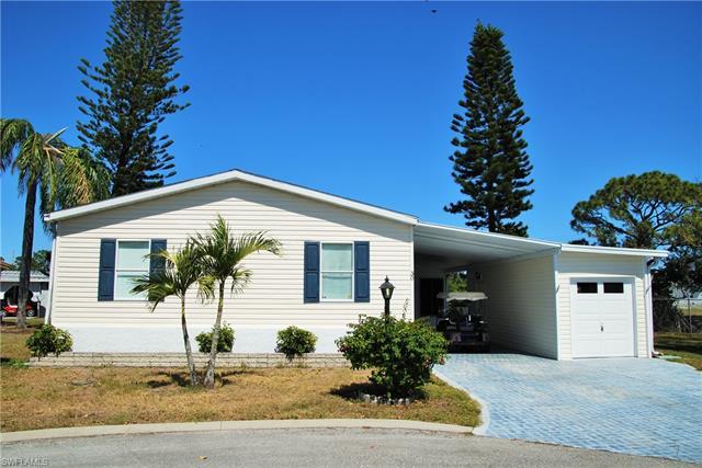 30 Casper Ct, North Fort Myers, FL 33903