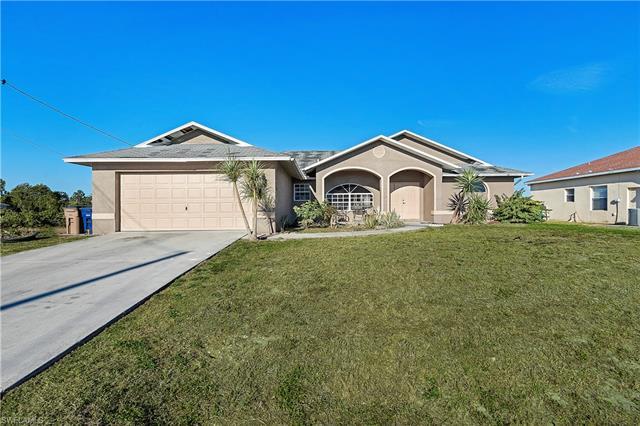 803 Eric Ave N, Lehigh Acres, FL 33971