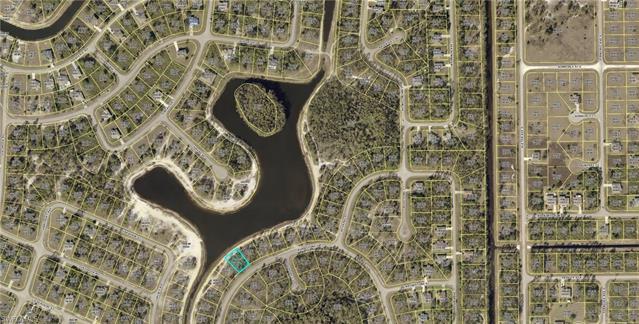 465 Burrstone Dr, Lehigh Acres, FL 33974