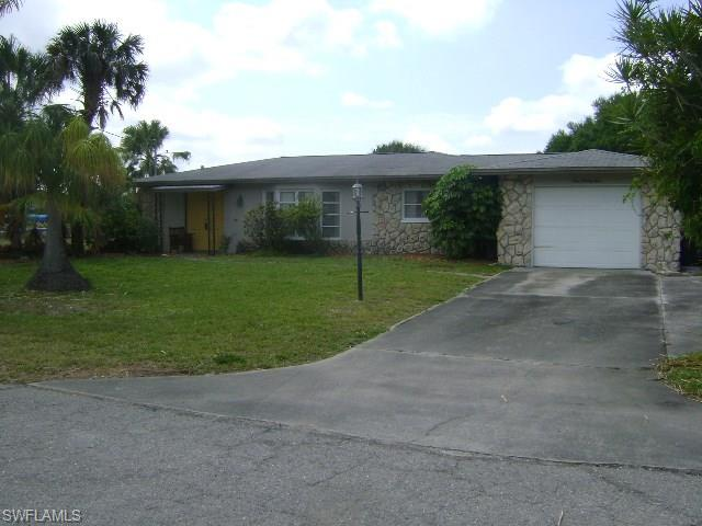 999 April Ln, North Fort Myers, FL 33903