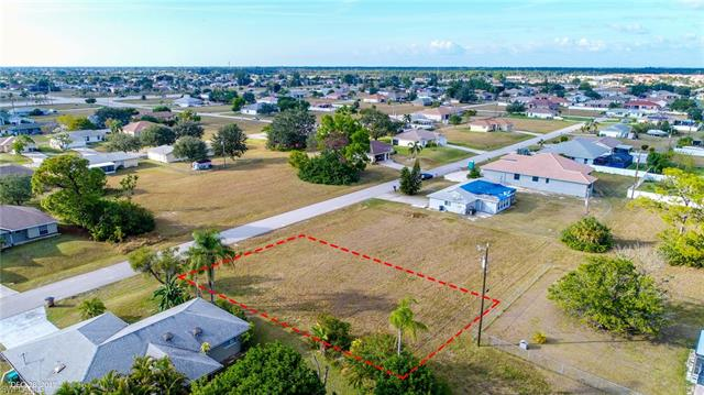 1909 Ne 18th Ave, Cape Coral, FL 33909