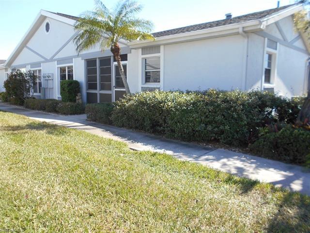 6881 Sandtrap Dr, Fort Myers, FL 33919