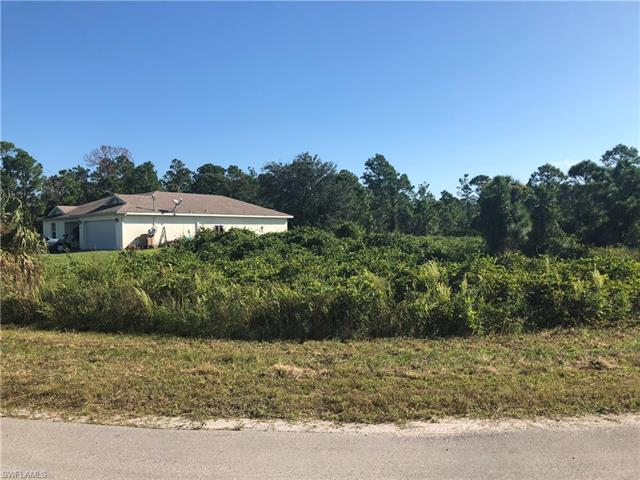653 Foxchase Dr, Lehigh Acres, FL 33974