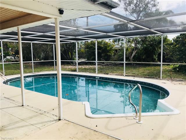 5238 Sunnybrook Ct, Cape Coral, FL 33904
