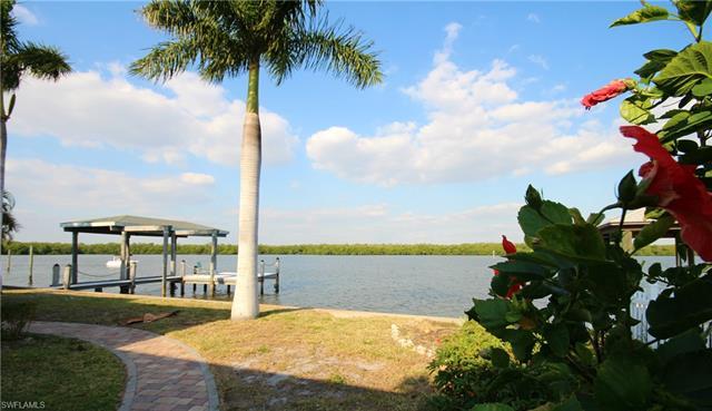 540 Randy Ln, Fort Myers Beach, FL 33931
