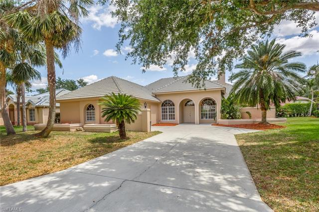 11801 Pinewood Lakes Dr, Fort Myers, FL 33913