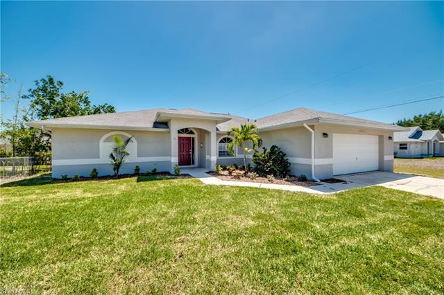 17517 Braddock Rd, Fort Myers, FL 33967