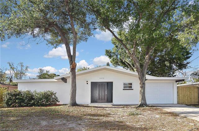 1652 Lowell Ct, Fort Myers, FL 33907