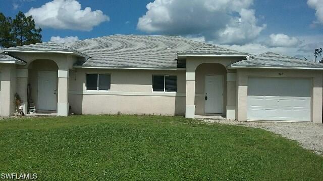 525-527 Lillon Ave S, Lehigh Acres, FL 33974