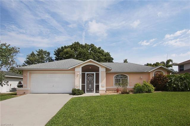 233 Sw 38th Ter, Cape Coral, FL 33914