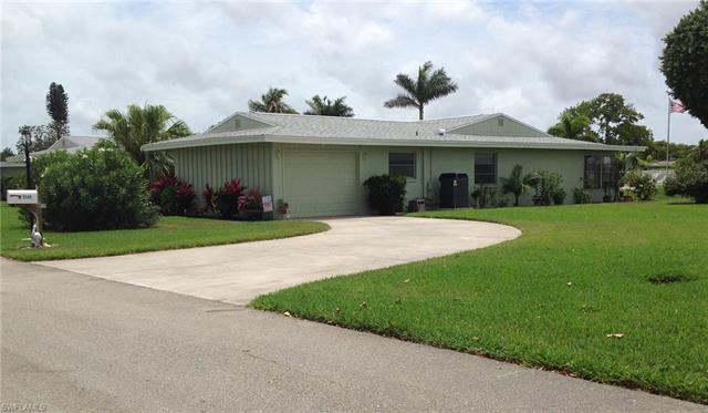 5548 Boynton Ln, Fort Myers, FL 33919