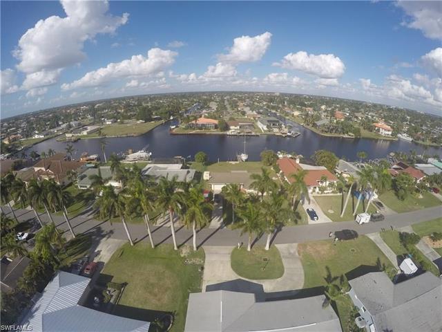 433 Bayshore Dr S, Cape Coral, FL 33904