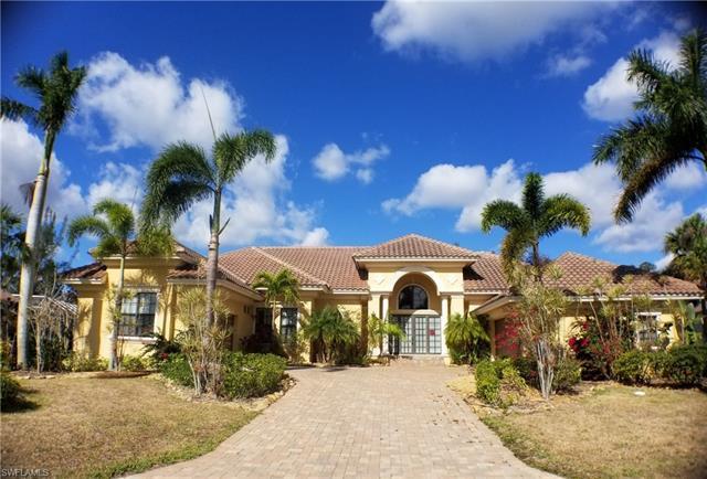 16232 Forest Oaks Dr, Fort Myers, FL 33908